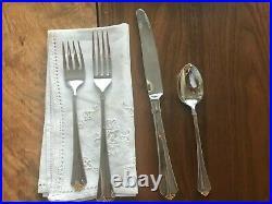 48-pc Oneida Golden Juilliard silverware FREE STORAGE CASE