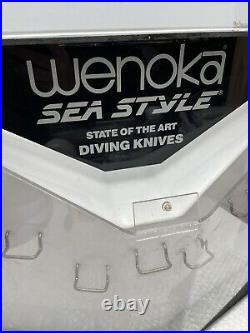 RARE WENOKA SEA STYLE DIVING KNIVES STORE DISPLAY CASE 2-SIDED ROTATING 20x18
