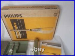 Vintage Phillips Switchblade Electric Knife with Base and Original Box