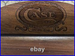 Vintage WR. Case Store Display Case With 8 Case Knifes And Orig Key. Must Have